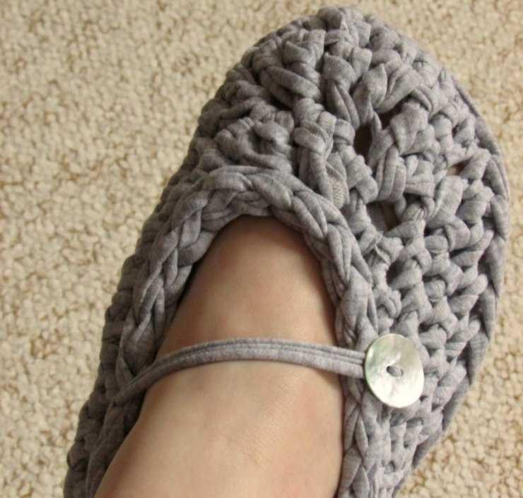 Домашние тапочки спицами - мастер-класс для начинающих и пошаговое описание пошива уникальной обуви (120 фото)