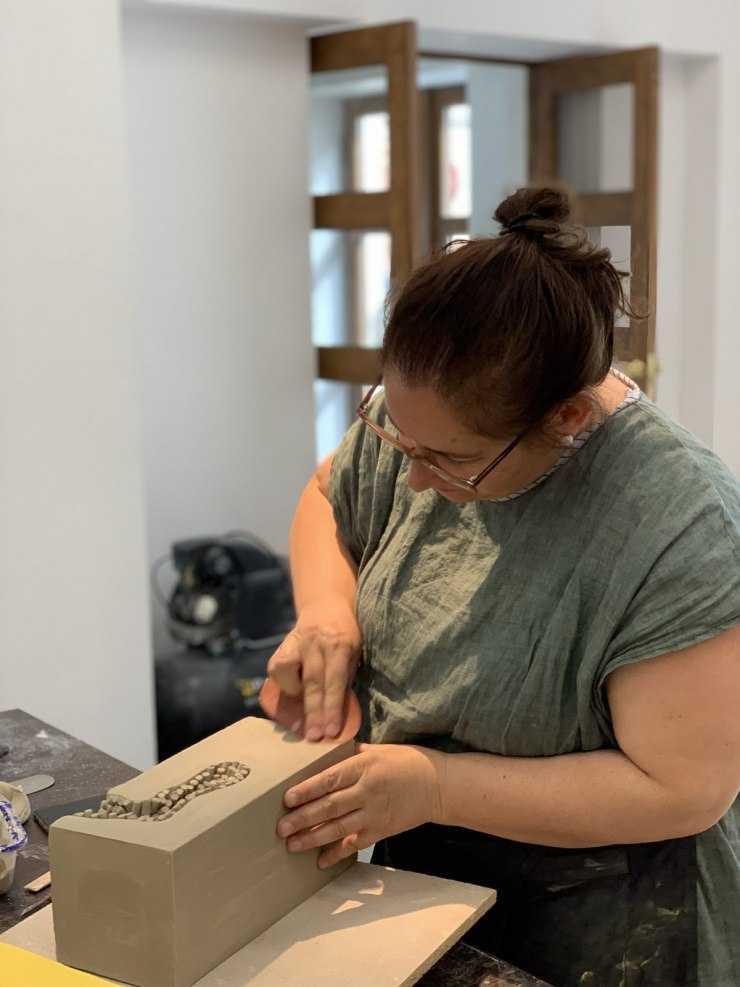Как сделать копилку своими руками - делаем красивые поделки из подручных материалов (100 фото + видео)