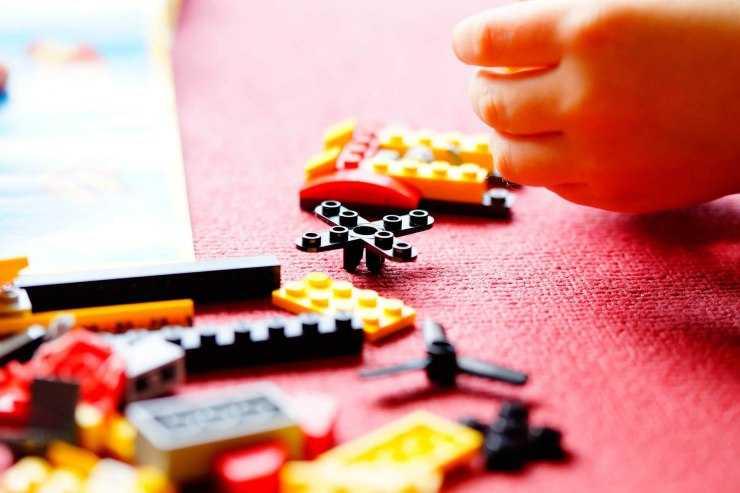 Поделки из лего своими руками - пошаговое описание сборки оригинальных украшений и игрушек (120 фото)