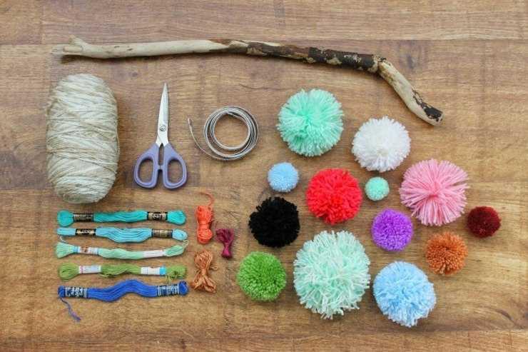 Поделки из помпонов своими руками: лучшие современные поделки и пошаговое описание их изготовления (95 фото)