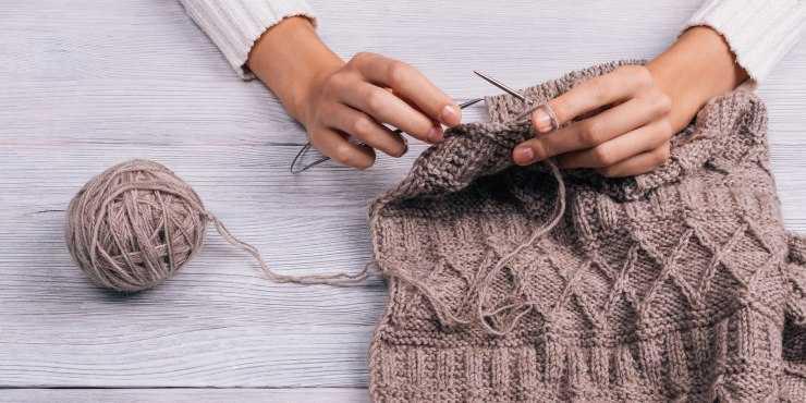 Простое вязание спицами для начинающих - инструкция как связать красивые вещи. Пошаговый мастер-класс для начинающих (105 фото)