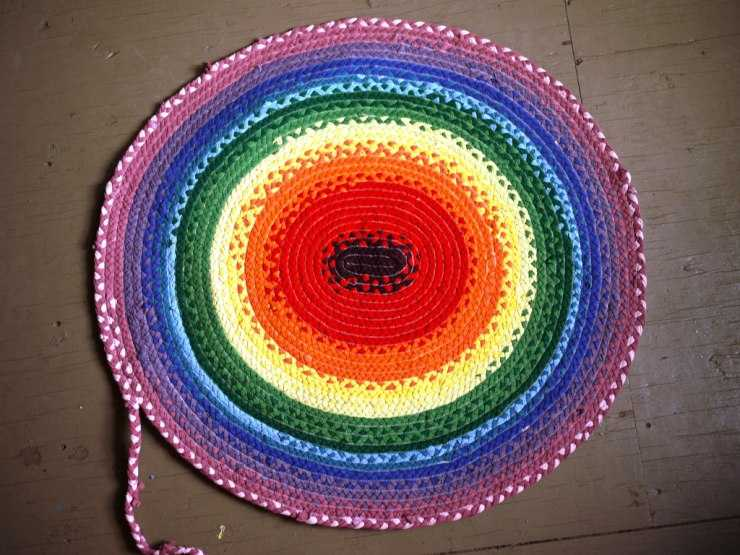 Вязание ковриков крючком: простые и интересные модели для начинающих и мастеров (фото + видео)